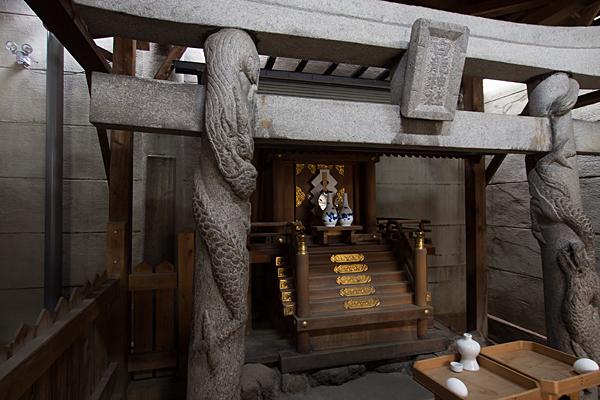 白龍神社お供えものの生卵