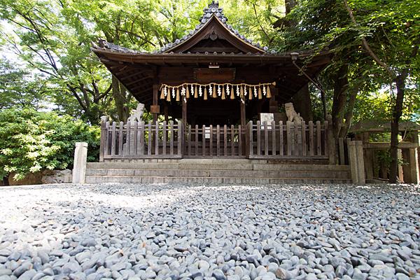 大須白山神社拝殿前の玉砂利