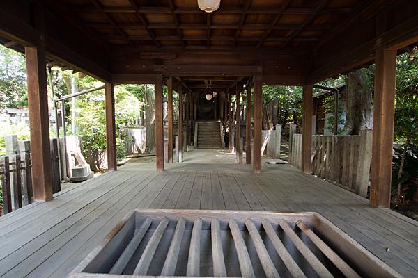 大須白山神社拝殿内部