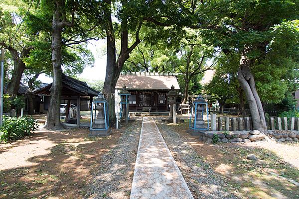 露橋神明社参道から拝殿