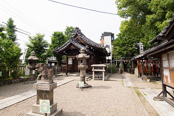 中島八幡社境内の風景