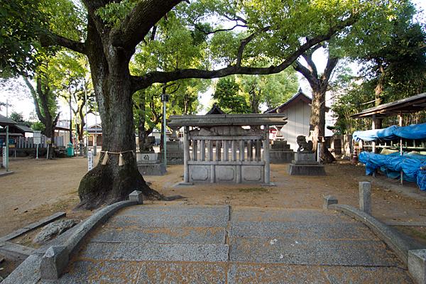 愛知神明社太鼓橋と蕃塀
