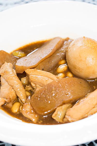 鶏肉とコンニャクの味噌煮