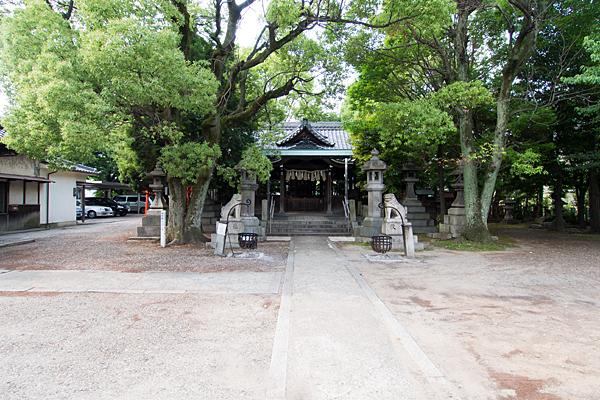 住吉社境内と拝殿