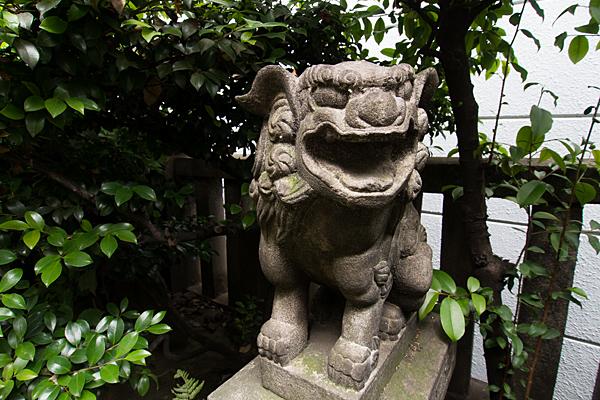 柳里神社獅子