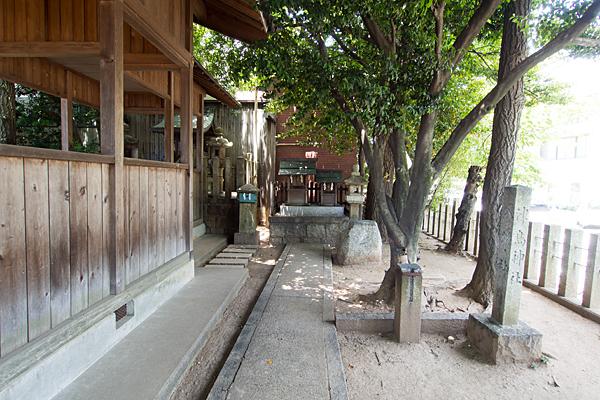 丸屋八幡神社境内社