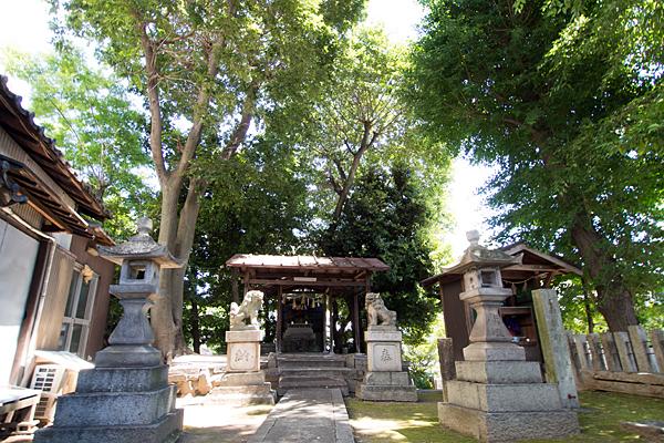 松原山神社境内