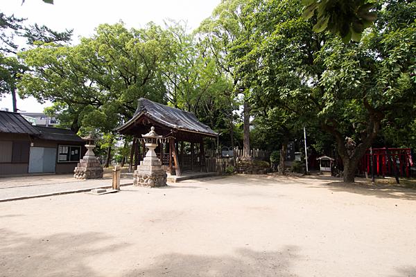 本願寺八幡社境内の風景