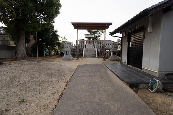 村上神社境内の風景