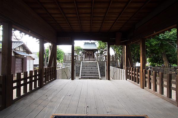 東栄町八幡社拝殿から本殿