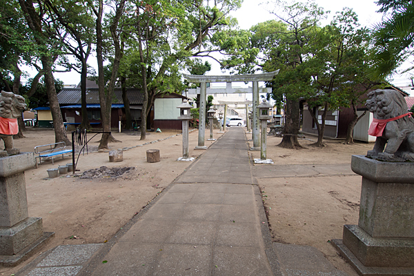 東栄町八幡社境内の風景