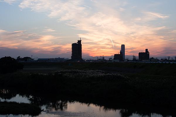 川辺庄内川合流点夕景