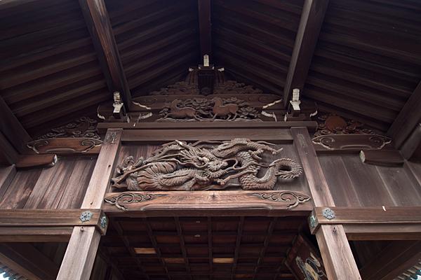 野田八王子神社拝殿の彫り物