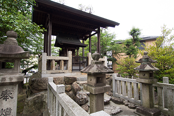 野田八王子神社本殿