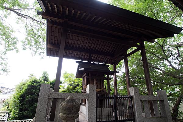 野田三狐神社本殿