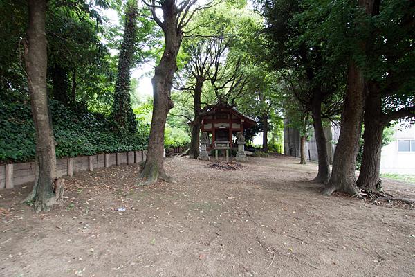 中須齊宮社拝殿前