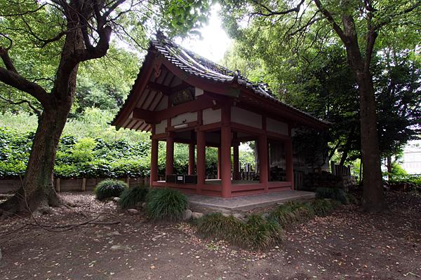 中須齊宮社社殿を横から