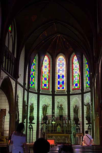 明治村ザビエル大聖堂内ステンドグラス