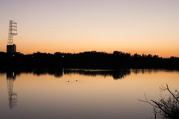 池の夕焼け