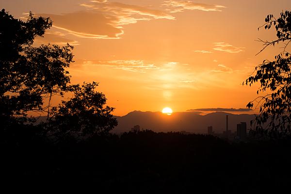 平和堂より日没の夕日