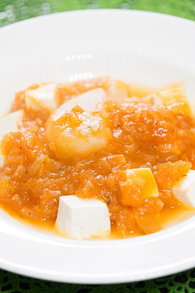 大根と豆腐のトマトソース