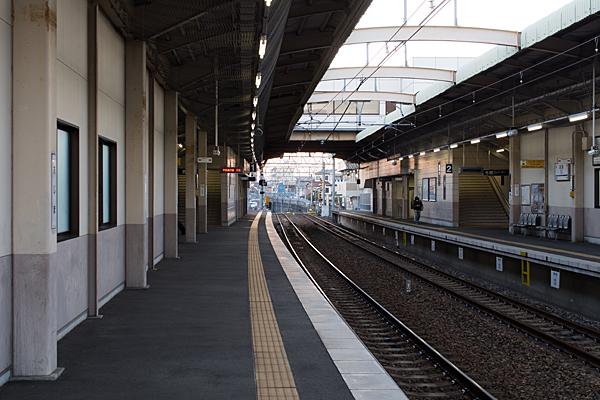 味鋺駅ホーム