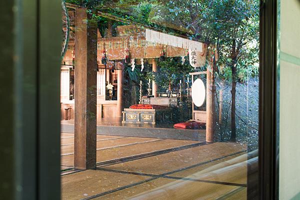 岩作御嶽神社神棚