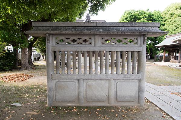 明神社蕃塀