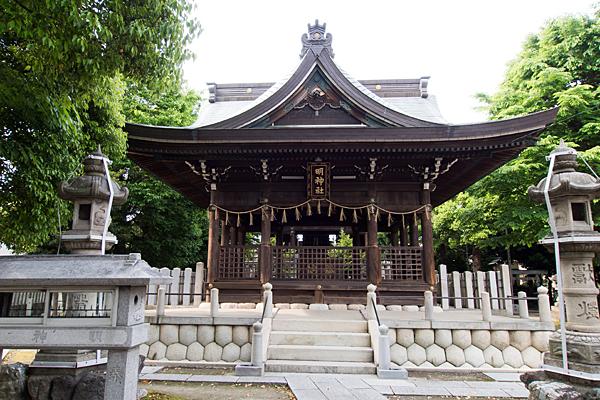 明神社拝殿