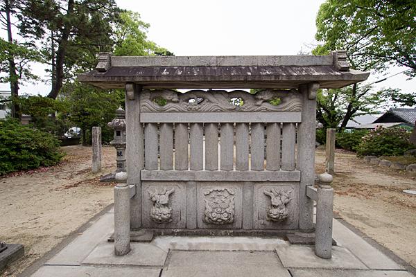 赤星神社蕃塀