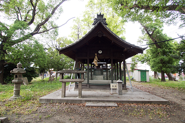 諏訪社拝殿