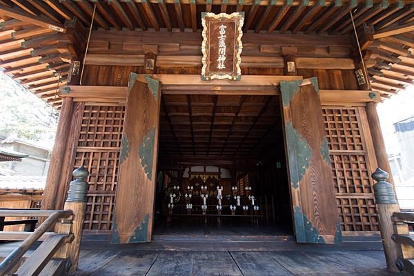大須富士浅間神社拝殿内