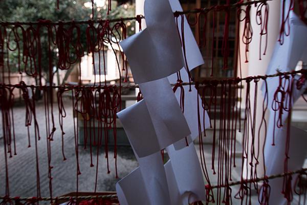 真清田神社縁結びの赤い糸