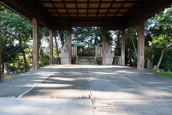 中切天神社拝殿内から本社