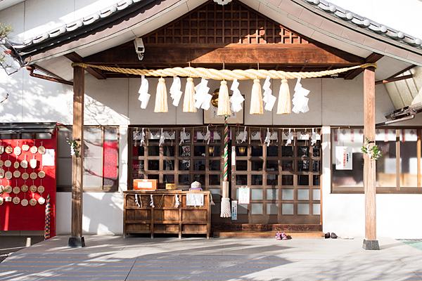尾張猿田彦神社社殿前