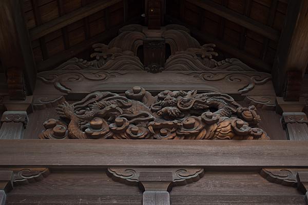 貴船貴船社拝殿の彫り物