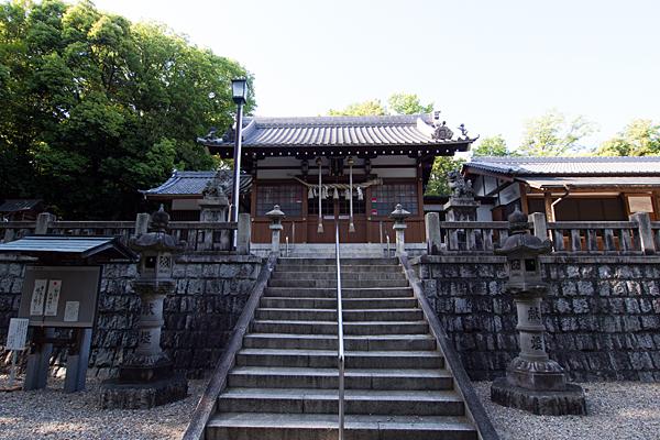 日吉神社拝殿下