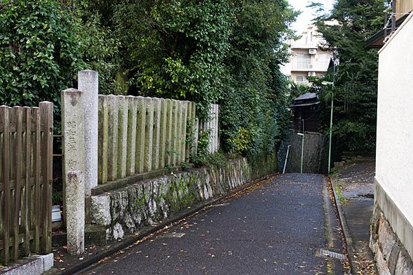 片山神社横の坂道
