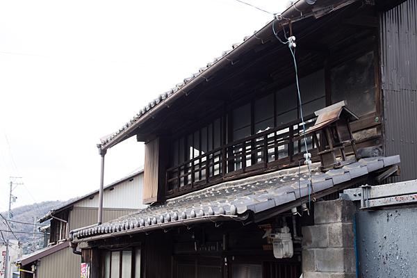 犬山城下屋根神様