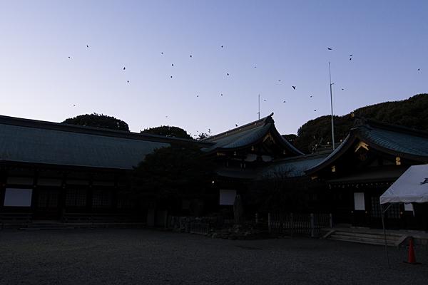 真清田神社夕暮れシルエット