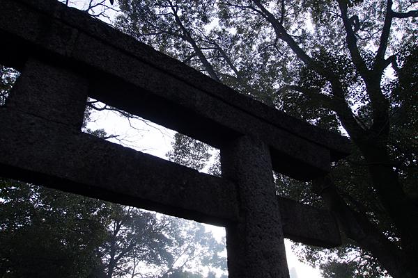 真清田神社古い石鳥居