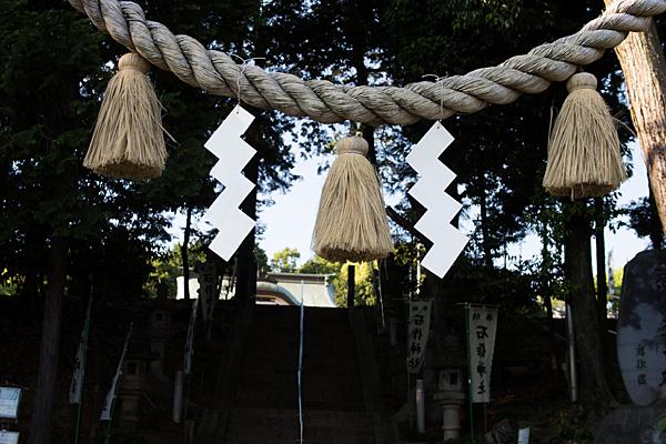 石作神社鳥居の注連縄