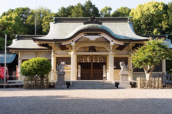 石作神社拝殿正面