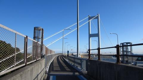 快晴の来島海峡大橋