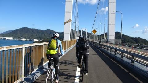 伯方・大島大橋を渡って伯方島へ