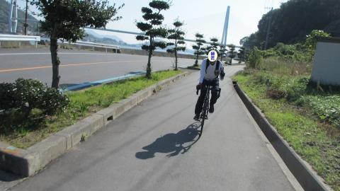 生口島に入って海岸沿いを走ります。