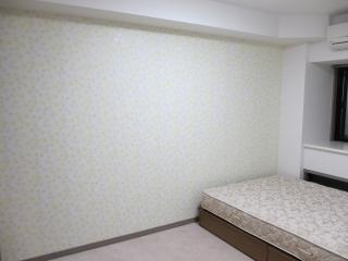寝室の壁紙は水回り用のモノですが全然違和感無し