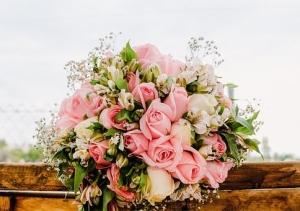 bouquet-2041844__340.jpg