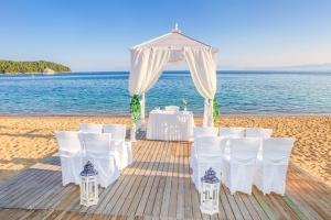 wedding-2566071__340.jpg