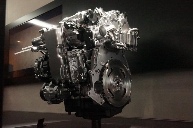 SKYACTIV-X(スカイアクティブ-X)エンジン